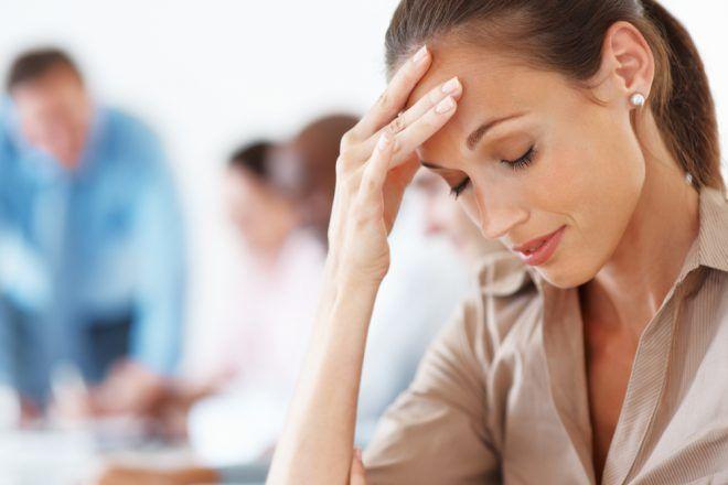 При головных болях нельзя принимать гормональные таблетки