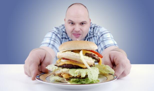 Чрезмерное употребление жирной пищи