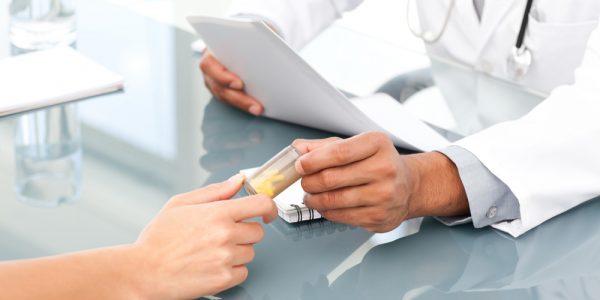 Медикаментозная терапия кисты яичника должна проходить только под контролем врача