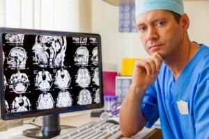 Медикаментозное лечение опухоли головного мозга обязательно должен назначить врач